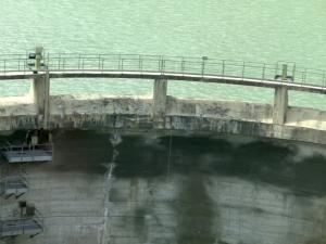 dam from train train Brennero-Fortezza 815