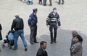 policemen Grande Place 311
