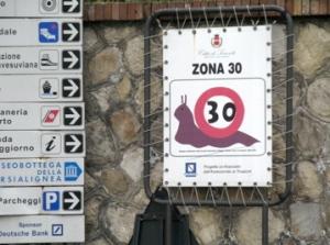 30 kph snail sign Sorrento 411