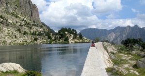 walk 5 energy reservoir near refugi d'Amitges 811