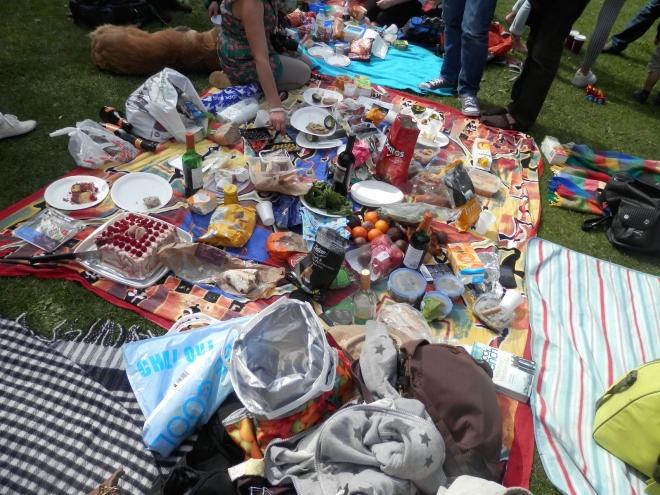 picnic (and cake) Regent's Park 914 4.JPG