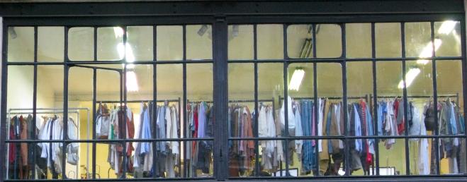 clothes shop Paris 1111.JPG