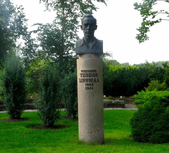 public professor botanical gardens Tartu 815.JPG