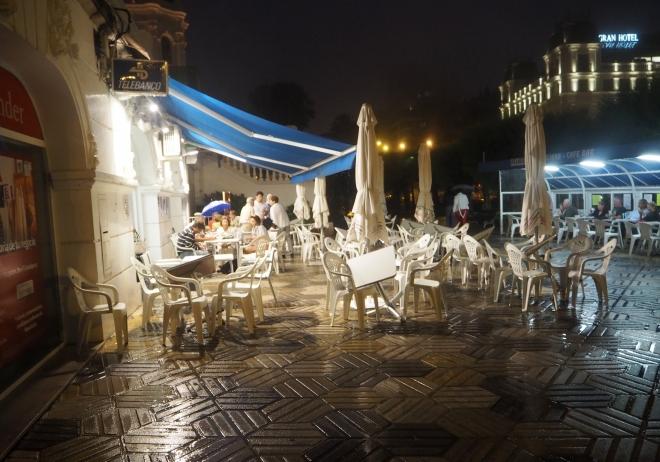 casino cafe rain Santander 716.JPG