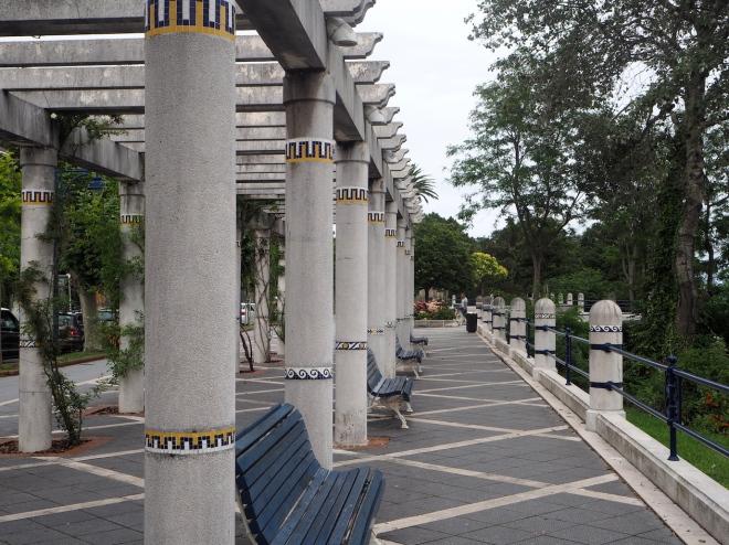 columns, mosaic Santander 716 2.JPG