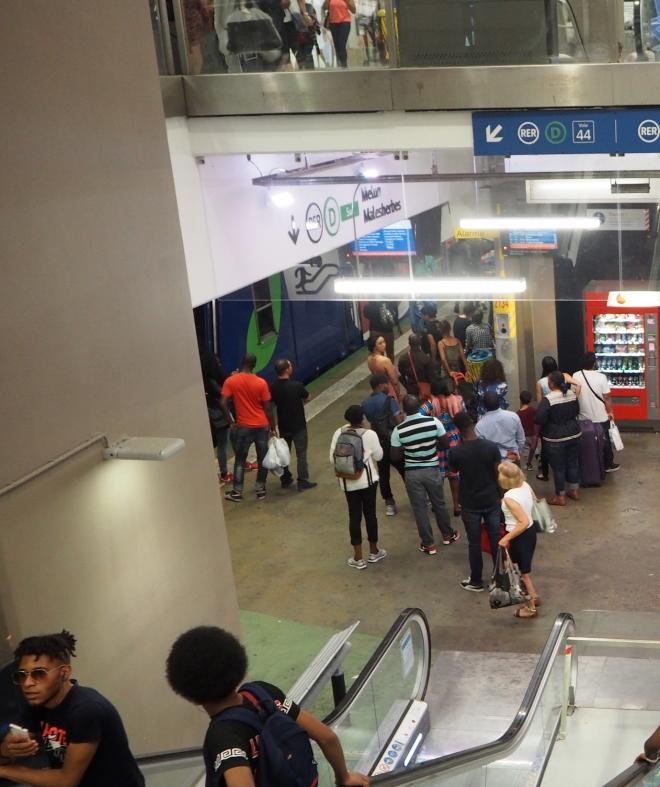 RER gare du nord Paris 716.JPG