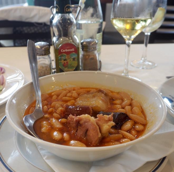 beans with sausages Mirador de Toro restaurant Llanes 816.JPG