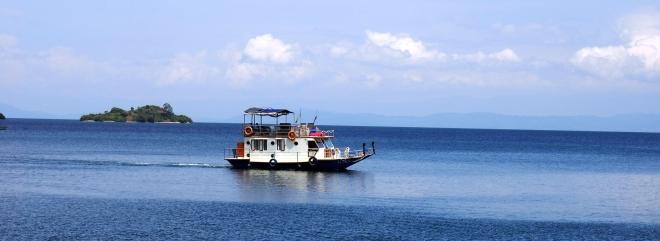 houseboat Iliza Lake Kivu 417.JPG
