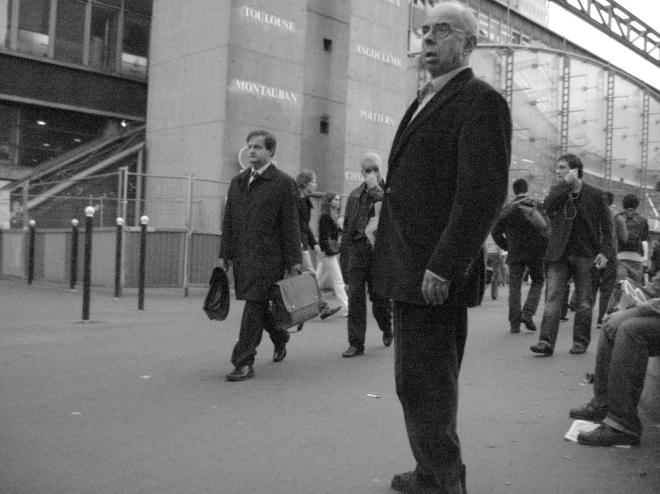 man Paris Montparnasse 1007.JPG