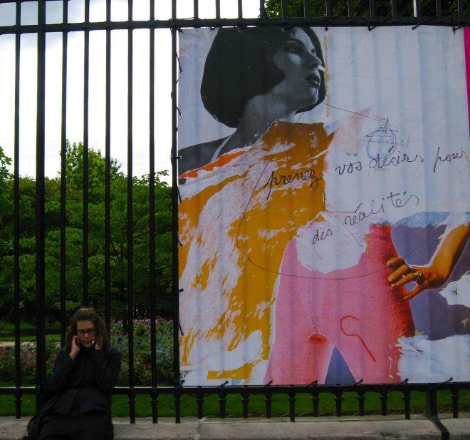 public writing PRENEZ VOS DESIRS POUR DES REALITES Paris 807.JPG