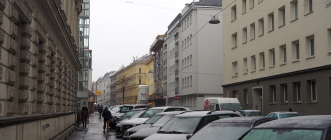 Friedmanngasse old housing social housing snow cars Josefstadtstr Vienna 318.JPG