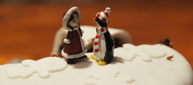 Snow Girl and Penguin, Christmas cake, Boxing day 1216.JPG