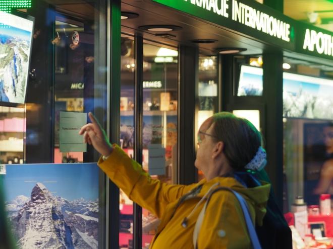chemists with Matterhorn memorabilia Zermatt 518.JPG