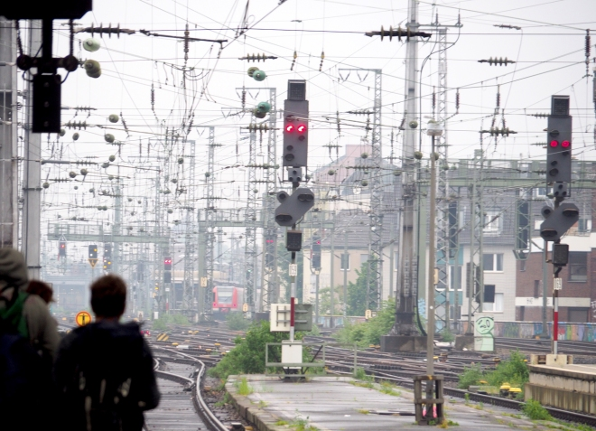 Cologne station 518 3.JPG