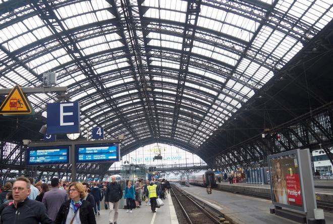 Cologne station 518.JPG