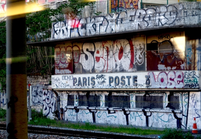 Paris Poste tags near Gare du Nord Paris 518.JPG