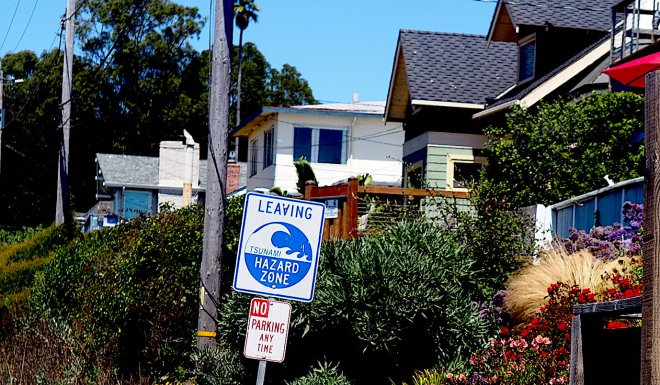 public sign LEAVING TSUNAMI HAZARD ZONE Santa Cruz 818.JPG