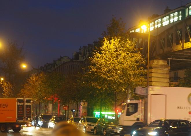 elevated metro Dupleix Prolongations restaurant Paris 1018 2.JPG