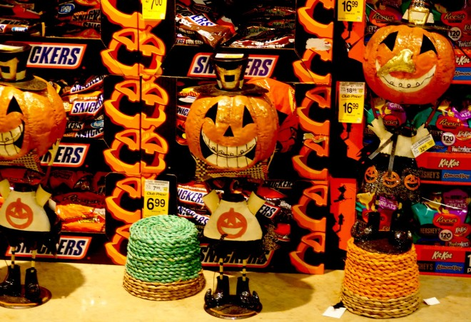 Halloween in August Safeway Seattle 818.JPG