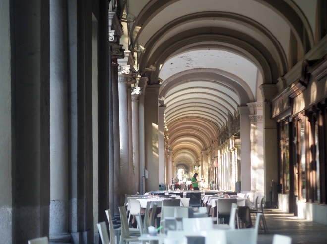 cafes gallery Turin 819 2 arches.JPG