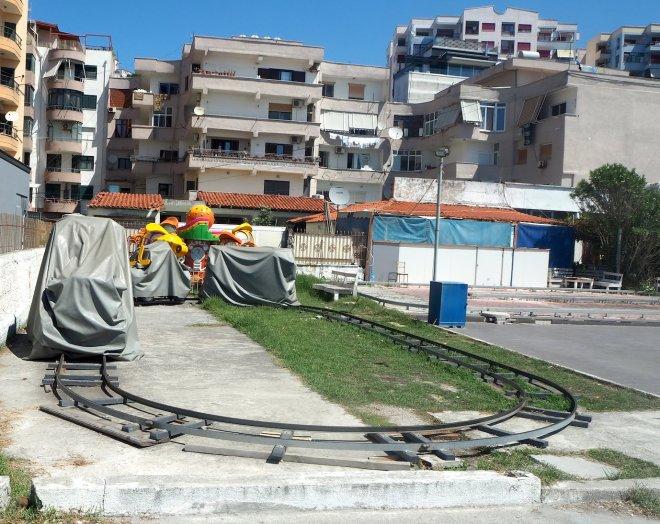 fairground track Durrës 819.JPG