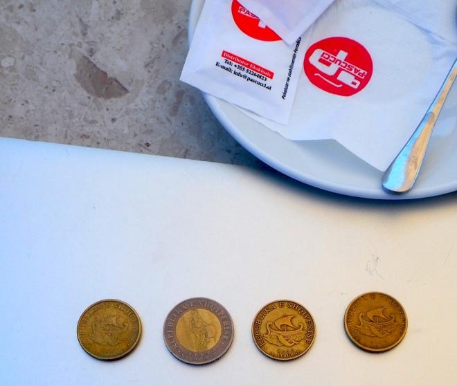 Liburnian ships Albanian coins (20 lek) Durrës 819.JPG