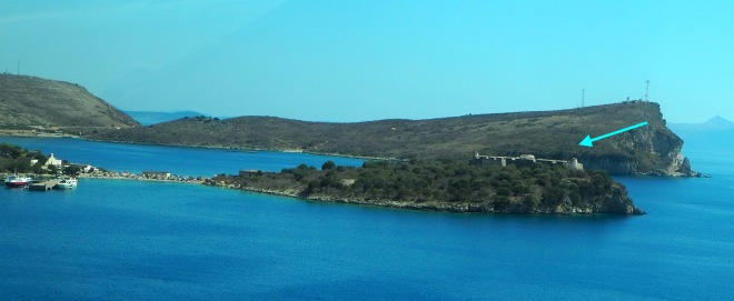 minivan Vlorë-Sarandë 819 castel island Porto Palermo 2.JPG