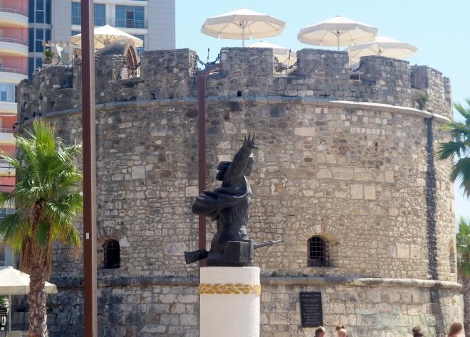 Venetian tower public soldier rifle Durrës 819.JPG